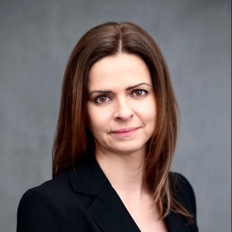 Dr Agnes Tarr Profile